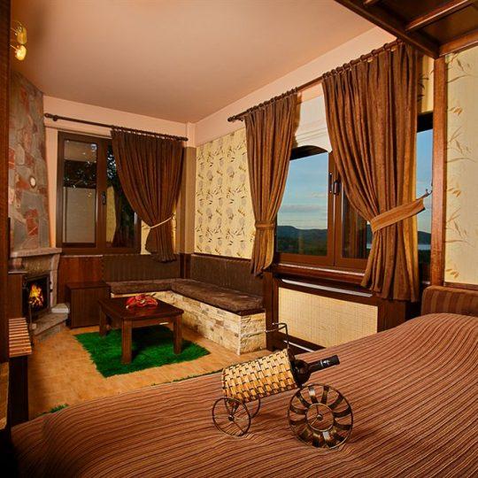 http://winter1a.hotel-sites.bookoncloud.com/wp-content/uploads/sites/92/2016/02/junior-suite-2-1-540x540.jpg