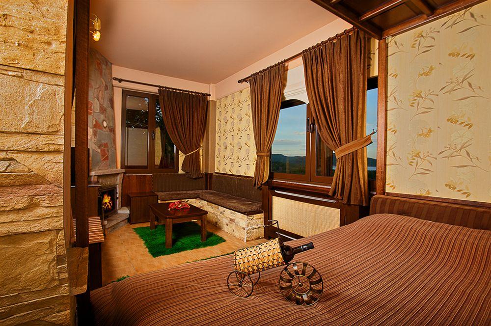 http://winter1a.hotel-sites.bookoncloud.com/wp-content/uploads/sites/92/2016/02/junior-suite-2.jpg